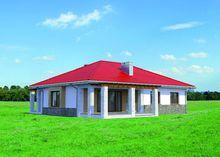 Красивый одноэтажный коттедж с большой крытой террасой