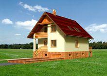 Великолепный загородный коттедж с узким крыльцом и верандой