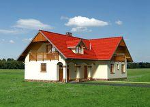Красивый загородный дом с элементами средиземноморского стиля
