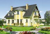 Роскошная загородная вилла с эркерами и балконами
