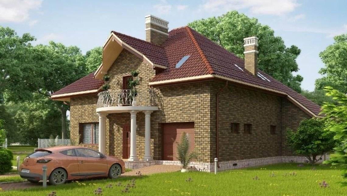 Комфортный двухэтажный дом с кирпичным фасадом и круглым балконом