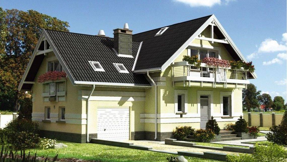 Оригинальный двухэтажный дом с изящным балконом на мансардном этаже