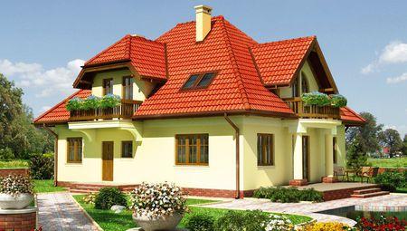 Красивая загородная усадьба с деревянными резными балконами